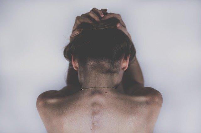 Kratom helps in relieving pain.